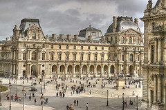 Museo del Louvre (marathoniano) Tags: plaza city paris france museum architecture square arquitectura village louvre muse museo francia pintura marathoniano aplusphoto goldstaraward rubyphotographer