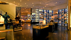 Versace Boutique (store interior) photo 1331 (Candid Photos) Tags: california fashion retail shopping designer boutique beverlyhills accessories 90210 versace fashionboutique rodeodrive womensclothing retailstore mensclothing storeinterior beverlyhillsca gianniversace finetailoring upscaleshopping designerboutique northrodeodrive 248nrodeodrive 3102053921 wwwversacecom highendretail italianfashions highendshopping italiandesignerclothing gianniversaceboutique march22008