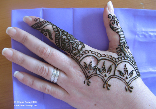 2451879103 d15123975c?v0 - Beautiful mehndi desings