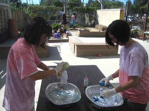 tie dye! tomoko and lorena