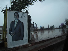 Worli Sea Face (Velachery Balu) Tags: rain monsoon mumbai worliseaface amitabhbachan reidtaylor