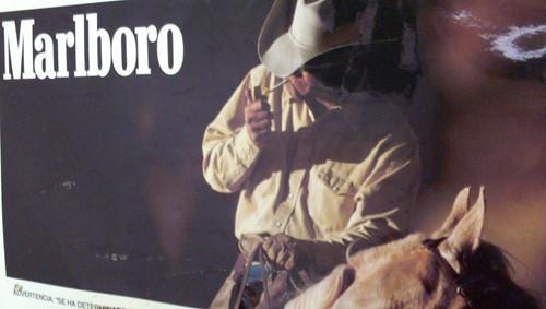 Publicidad De Astor Y Marlboro (FOTOS