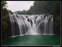 十分瀑布, Shifan Waterfall, Taiwan (Sherwin_andante) Tags: geotagged taiwan 2007 平溪線 十分 瀑布 yourfavorites e510 supershot 200710 geo:tool=gmif 20070910 geo:lat=25040913 geo:lon=121777970 geo:lat=25040815 geo:lon=121778083