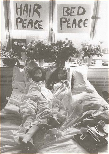 john and yoko - bed in 1969
