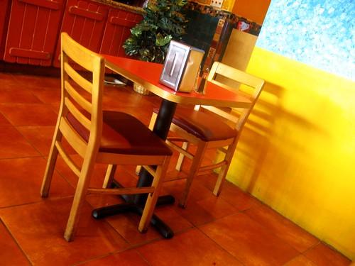 Sunshine seating at the New Tandoori Cafe, San Jose
