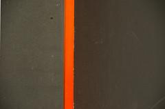andrew bird:simple x (visualpanic) Tags: barcelona orange abstract black detail wall novembre details compositions minimal paret negre 2007 taronja detall verticals detalls composicions simplificacions