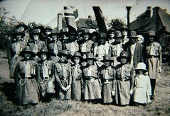 Holmer Green, Girl Guides on the Common (Stuart Kings) Tags: life england green history girl king village chilterns stuart local guides villagelife socialhistory chilternhills holmergreen holmer stuartking