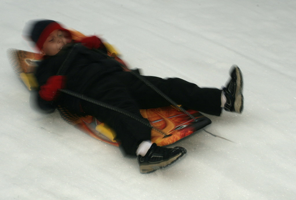 Sledding 20071222_0044_auto level_crop