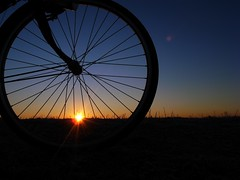 2008 first sunrise ! (ksnyan_1975) Tags: bike bicycle digital sunrise first gr 2008 ricoh hatsuhinode