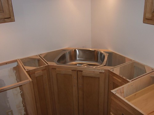 Corner Sink Cabinet Kitchen : Corner sink and pull out trash kitchens forum gardenweb - kitchen ...