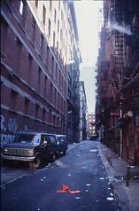 Kojak situation (Rob de Hero) Tags: nyc ny newyork analog alley chinatown manhattan slide dia analogue van gasse kojak