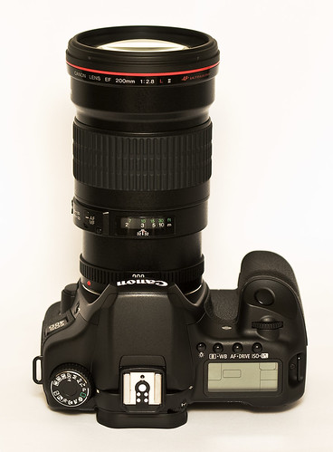 Canon EOS 40D with a mounted Canon 200mm f2.8 L