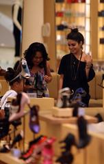 Vanessa Hudgens (DE TODO BLOG2008) Tags: california music usa sexy fashion shopping shoes dancing style disney relationship dating beverlyhills scandal barneysnewyork hsm highschoolmusical zacefron nudephotos vanessahudgens
