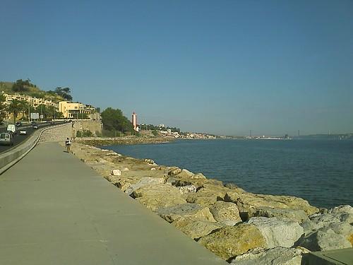 Vista da via pedonal para Lisboa