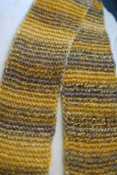 golddigger_garter_scarf_done