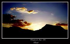 Serras (Fábio P.S.) Tags: pordosol color sol paraná look brasil zoom great serra montain montanhas 1000views sunsest serras 10000views 100faves 10faves x710 mywinners fabiorosario rosáriodoivaí olympysfe100