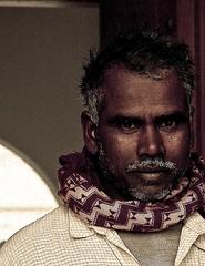 كني بهالدمعة سكين جرحها وجهي (| Rashid AlKuwari | Qatar) Tags: indian poor doha qatar مسجد هندي قطر الدوحة الكواري lkuwari بالقبيب