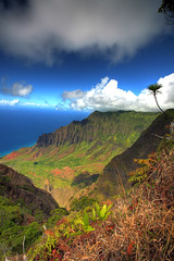 Kalalau Lookout - Kauai, Hawaii (Kaldoon) Tags: blue vacation mountain green clouds hawaii honeymoon wideangle cliffs kauai kalalauvalley 5d hi kalalau range hdr napali kalalaulookout napalicoast napalicliffs kaldoon onlythebestare 1635mmlii