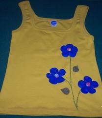 Camiseta customizada (danynunes2002) Tags: feltro bordados camisetas customisadas