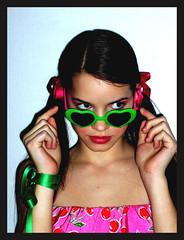 Lolita. (alentina georgia pegorer) Tags: verde girl innocent rosa mani lips vale sguardo sole mirada rosso cuore occhiali fiocco malizia fiorucci ciliegia codini cirueja