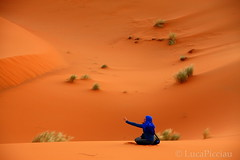 Inshallah (LucaPicciau) Tags: africa woman sahara yoga donna sand women dunes islam arena morocco maroc dio marocco meditation duna deserto sabbia elegance erg africano merzouga rissani divinit inshallah riflessione lupi meditazione deserti chebbi  desertscape picciau lucapicciau
