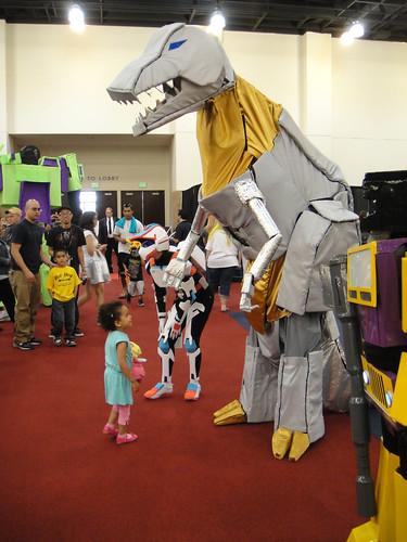 BotCon 2011 - Transformers cosplay - Grimlock