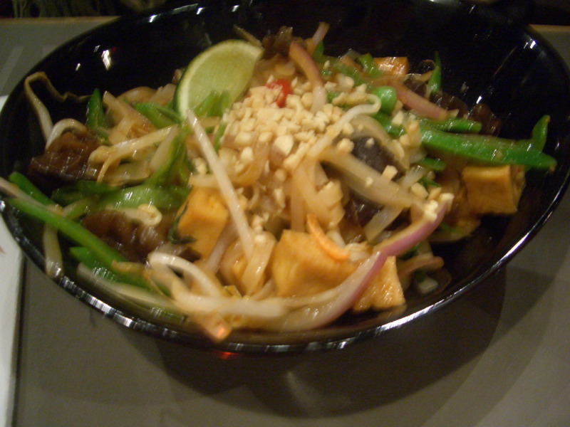 Veggie-intensive pad thai at Cho Gao