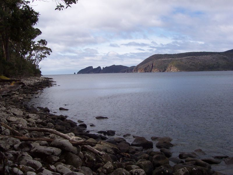 Fortescue Bay to Waterfall Bay