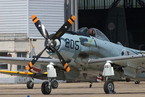 Warbird picture - Melun 2008 - Douglas A-1 Skyraider