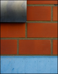 The Wall (It's Stefan) Tags: blue red white house detail muro rot wall architecture rouge rojo bricks enceinte architcture minimalism mur hellblau muralla mauer lightblue   urbanfragement