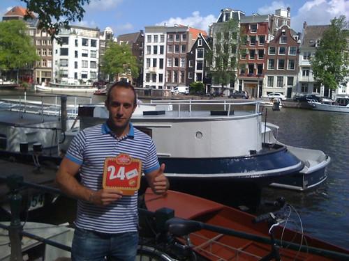 <span>amsterdam</span>Arrivato..!!!<br><br><p class='tag'>tag:<br/>viaggio | persone | amsterdam | </p>