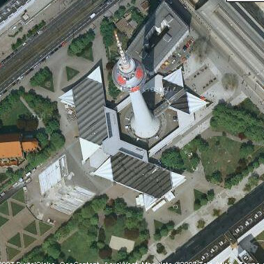 La torre de alexanderplatz desde el google maps