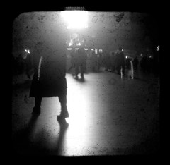 mundi et astrorum lumen (JKnig) Tags: morning light shadow people bw window happybirthday grandcentralstation gct argus grandcentralterminal ocaritas argoflex catstevens ttv argoflexseventyfive throughtheviewfinder forpatricktpower amorningwindowpersoninhisownright thanksforyourinspirationyourthoughtfulnessyourfriendship iknowforafactthatmylifeisabetteronewithyouinit