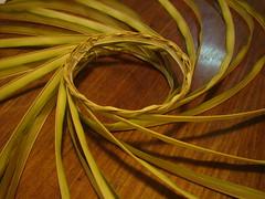Tausug BAUYUT (5) (Elmer I. Nocheseda ng Pateros) Tags: basket frond basketweaving coconutleaves plaiting pateros tausug elmernocheseda tambusa bauyut