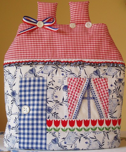 house shaped teacozy