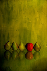 Red apple (David Parks - davidparksphotography.com) Tags: portrait david green oklahoma window fruit mirror stem nikon long exposure pears 5 five parks shutter pear edmond d40x