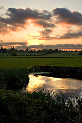 Sun set @ Knowle Locks (Steve O'Loughlin) Tags: sunset nature clouds knowle digitalcameraclub abigfave bigpicture2008
