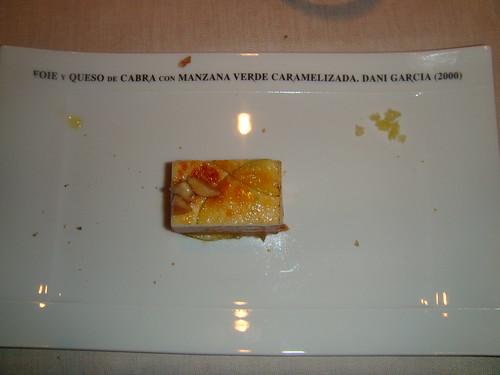 Foie y queso de cabra de Ronda con manzana verde caramelizada, almendra y soja (2000)