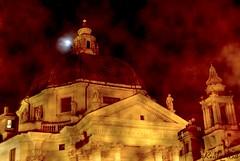 Santa Maria di Montesanto (rosita_65it) Tags: roma clouds oneofakind piazzadelpopolo dreamjournal supershot mywinners ibeauty superbmasterpiece flickrelite cichevedonoimieiocchi allnicethink scenicsnotjustlandscapes