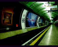 Saturday Afternoon, 15.06 (Martin   H) Tags: urban london station train transport perspective trainstation tubestation northernline cherryontop 35faves 25faves superaplus aplusphoto favemegroup4 diamondclassphotographer flickrdiamond superhearts aphotocontest30