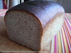 Toastbrot mit Buttermilch und Vollkornmehl 003