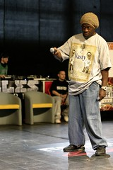 Chelles Battle pro 2007 ( pguisard ) Tags: street music france club canon photography eos photo dance photographer photographie battle dancer hiphop breakdance amateur peg 77 breakdancer nasty association breakin spectacle photographe streetdance danseuse chelles photographeamateur guisard mrpeg pierreeric 77asa chelles77 battlepro mauricebaquet guisardpierreeric mrpeg77 pierreericguisard pguisard pierreericguisardphotographe
