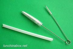 Narrow brushes for washing reusable straws