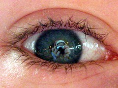 Augenklick (Paulchen...mostly off. :)) Tags: macro eye person auge picturepages