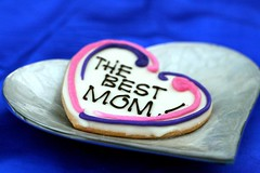 Happy Mother's Day (7oO7oO) Tags: pink blue mom yummy cookie heart mommy kuwait 2008 mothersday heartshaped hmd happymothersday 7070 sugarspice 7oo7oo