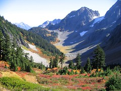 North Cascades (zoniedude1) Tags: autumn mountains color fall nature forest washington hiking foliage valley wilderness northcascadesnationalpark cascadepass eliteimages zoniedude1 earthnaturelife