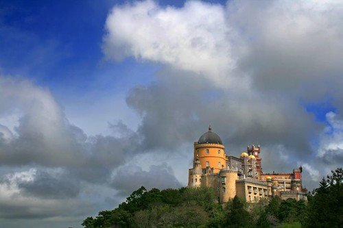 Castle in the clouds por Fr Antunes.