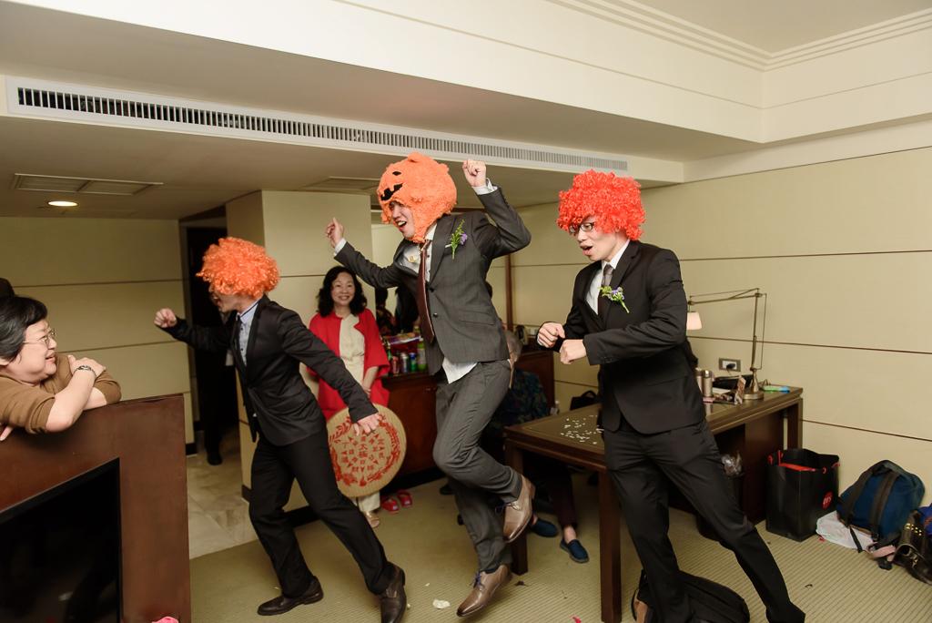 wedding day,婚攝小勇,台北婚攝,晶華,台北國賓,台北國賓婚宴 ,愛瑞思,Miko,新秘,-031