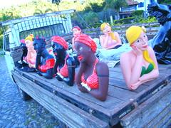 KOMBI DO ARTESANATO (namoradeiras a venda) Tags: do artesanato boneca kombi loira morenas novalima namoradeira rapososmg eliasdakombi atelieraposospontodogesso