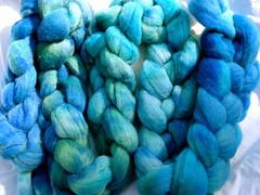Blue crockpot wool